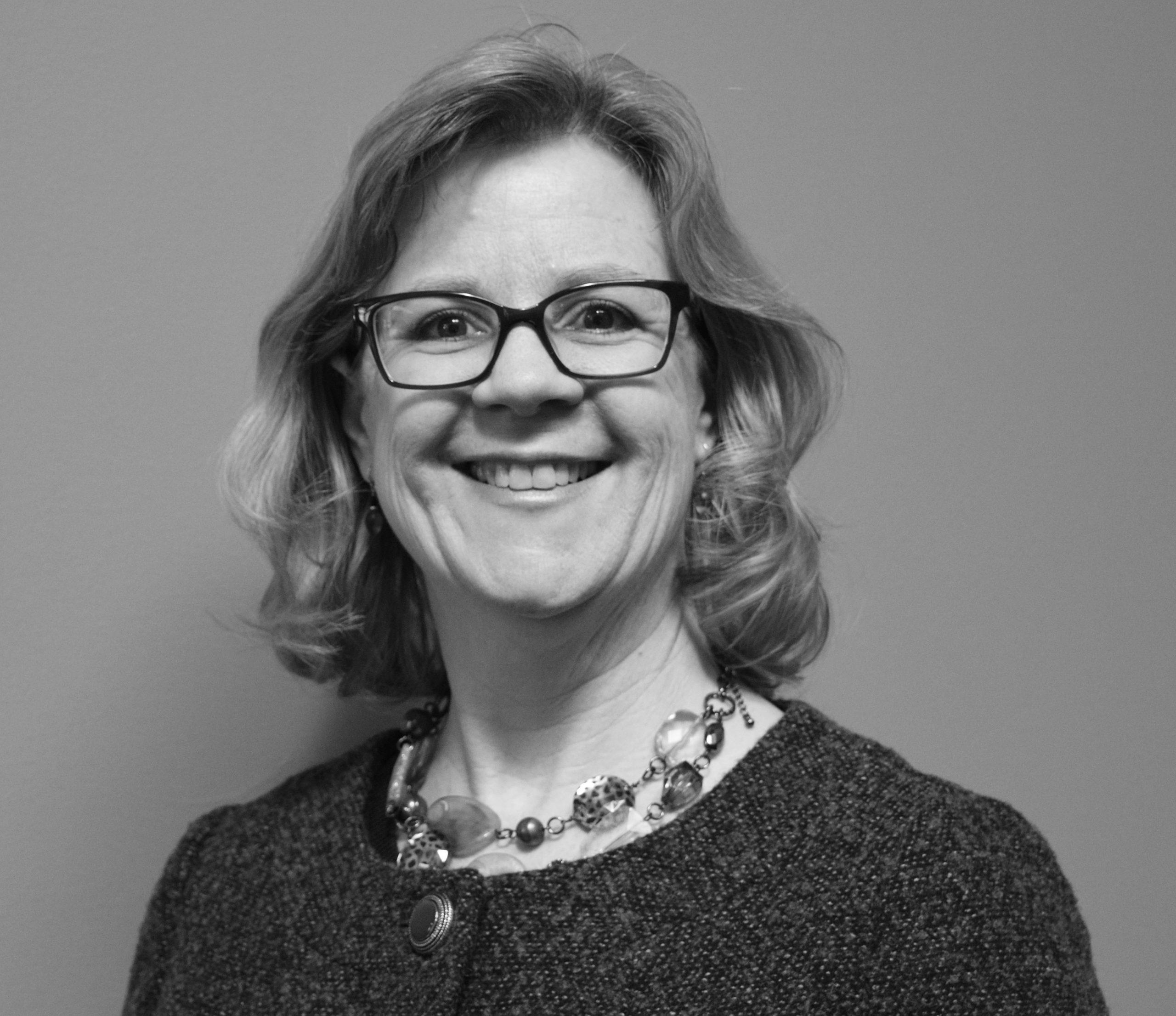 Julie Brauninger headshot